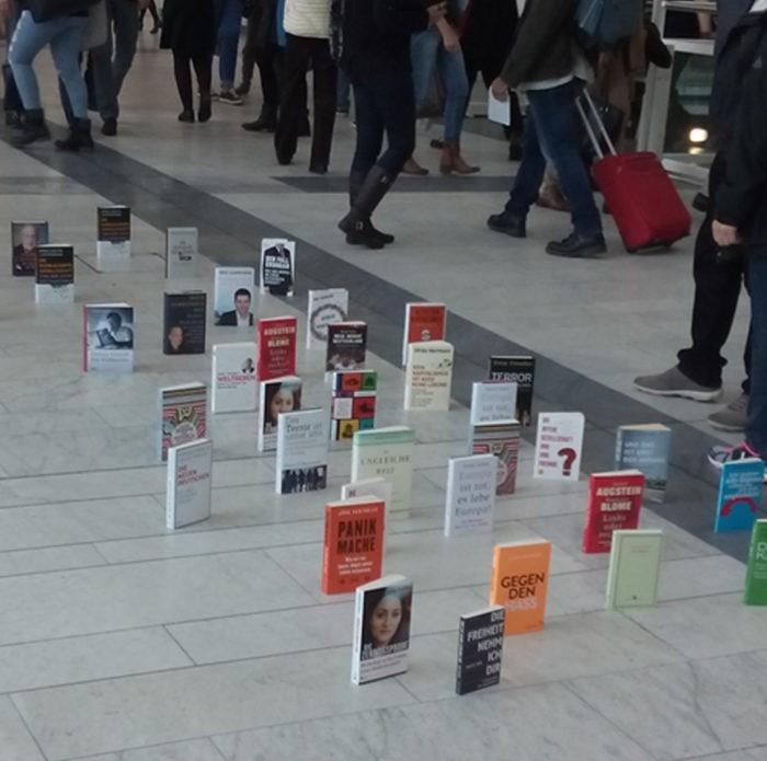 Bücherteppich auf der Frankfurter Buchmesse, 2016